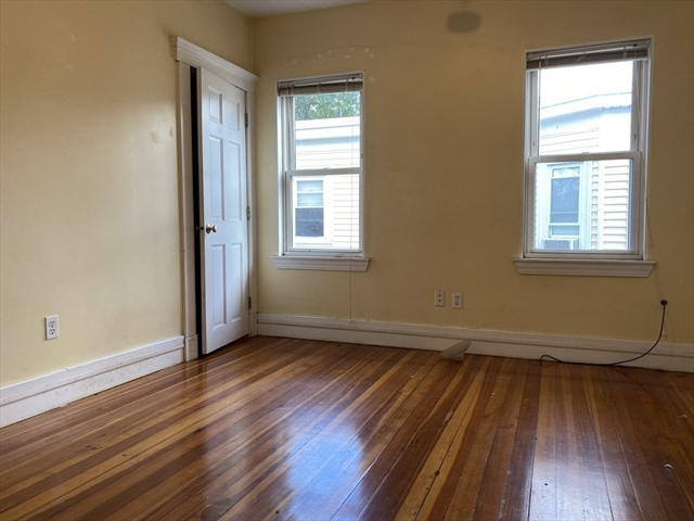 3923 Washington Street Boston MA 02131
