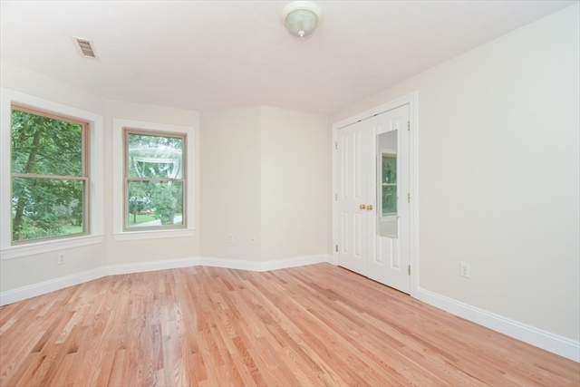 5 LANE Avenue Bedford MA 01730
