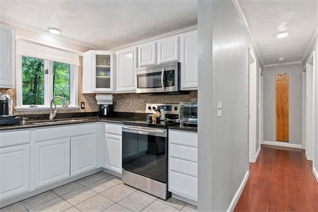 14 Hillside Avenue Berkley MA 02779