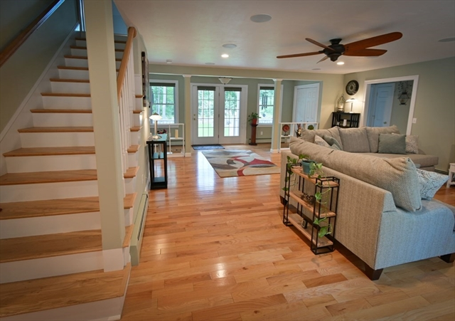 21 Shirley Road Townsend MA 01469