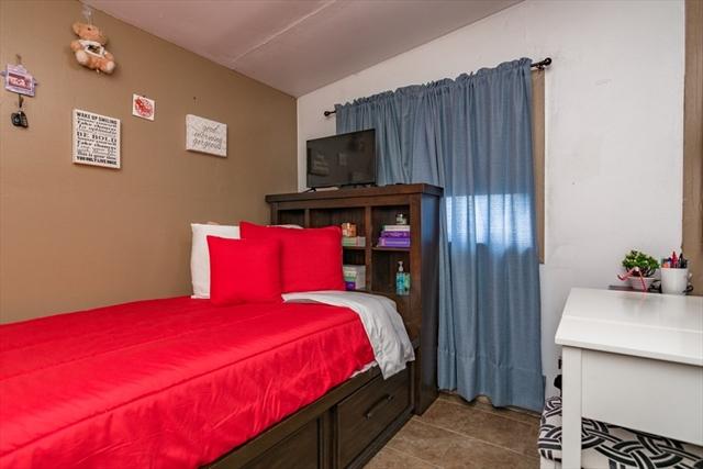 63 King Street Lawrence MA 01841