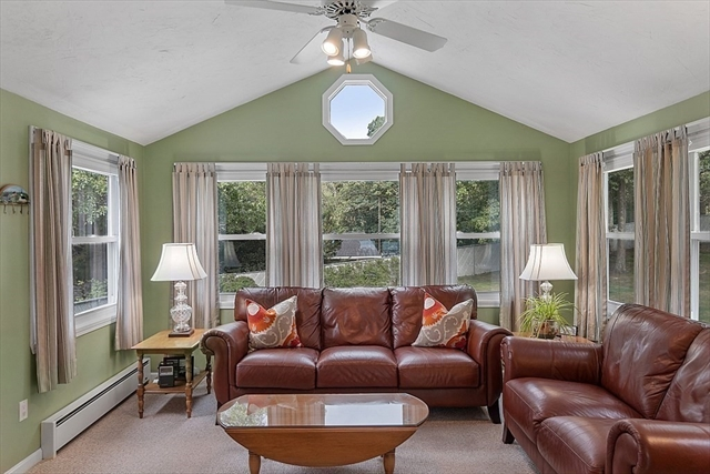 8 Oak Court Wilmington MA 01887