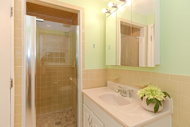6 Hemlock Terrace Randolph MA 02368