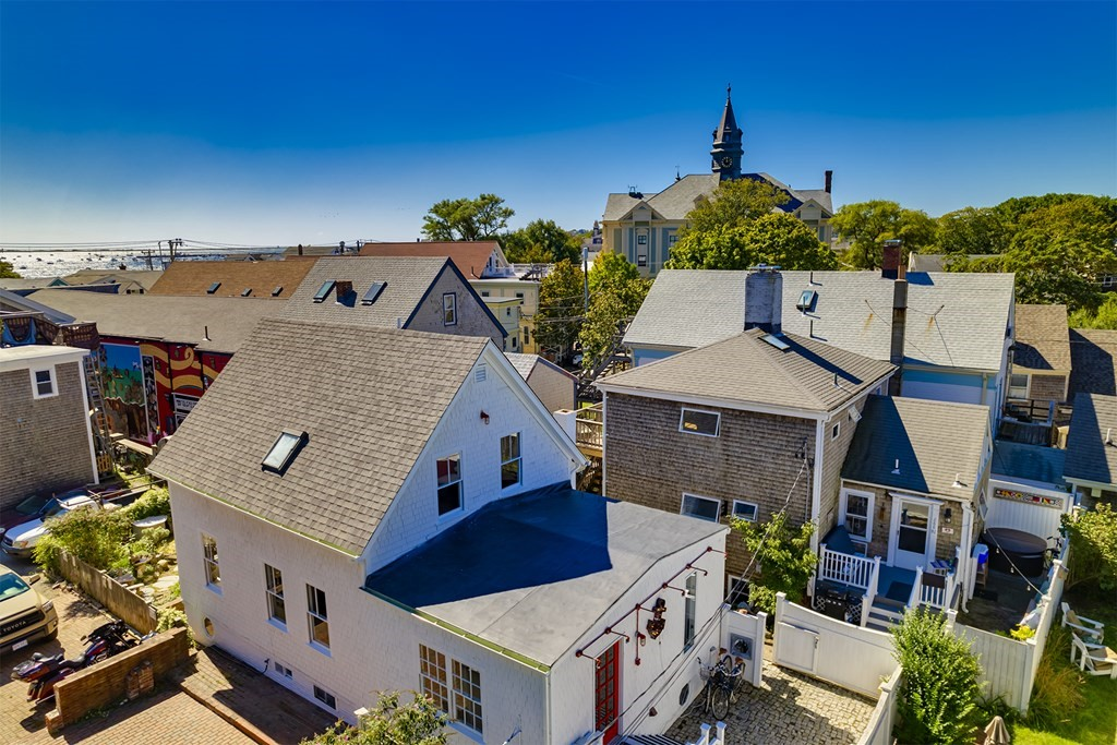 290A Commercial St 1, Provincetown, MA 02657