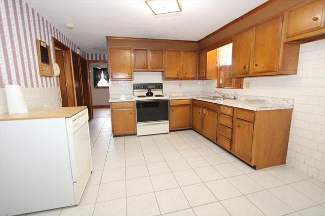 11 Vincent Avenue Worcester MA 01603