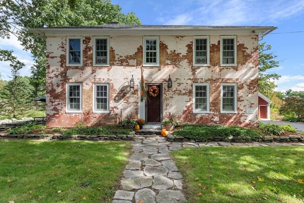 8 Merriam Rd, Princeton, MA 01541