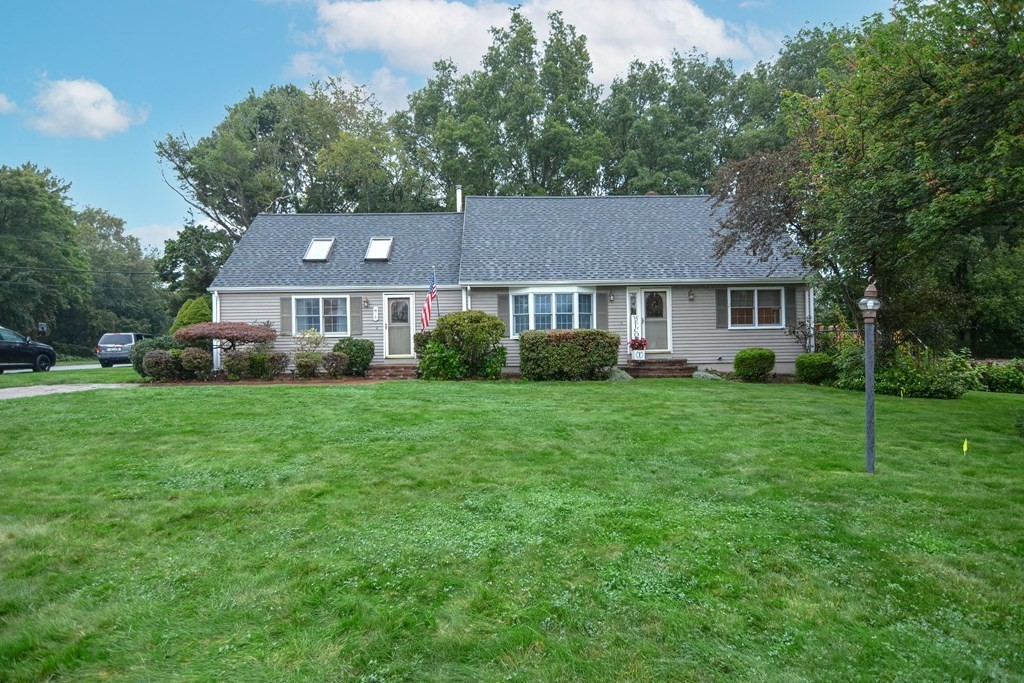 26 Collins Ave, Swansea, MA 02777