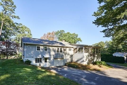 23 Saint Marychar(39)s Street, Northfield, MA: $269,900
