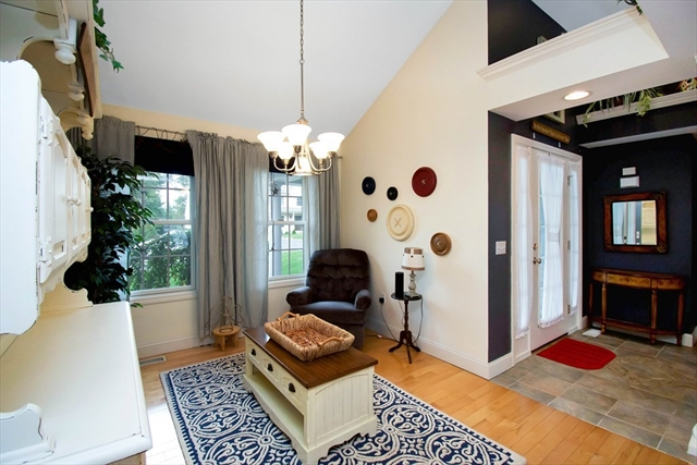 48 Tufts Street East Longmeadow MA 01028