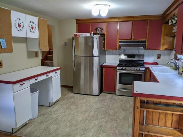 7 Fairfax Street Burlington MA 01803