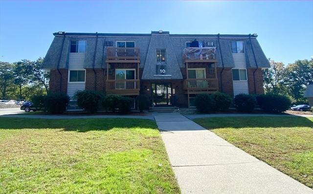 10 Hazelwood Avenue Dracut MA 01826