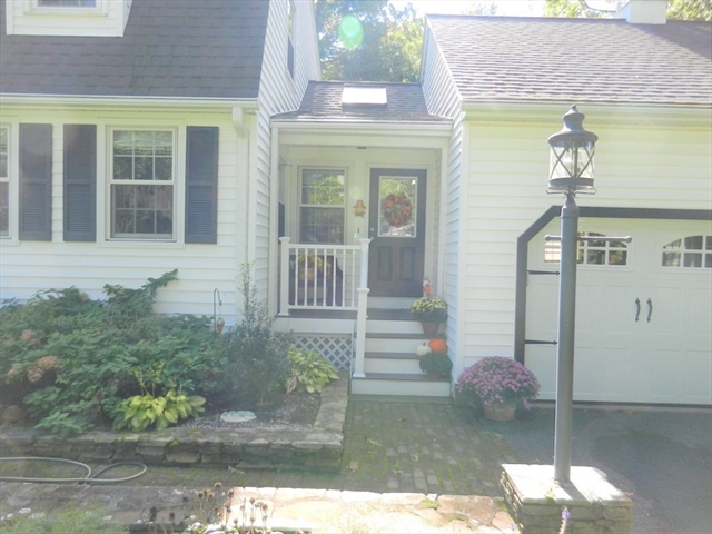 29 Pine Street Bellingham MA 02019