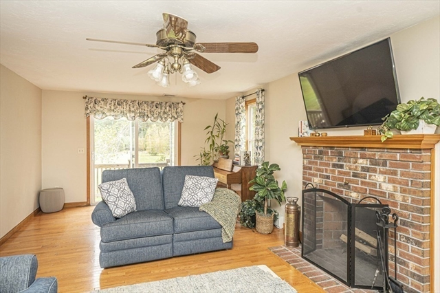 29 Baker Lane Lakeville MA 02347