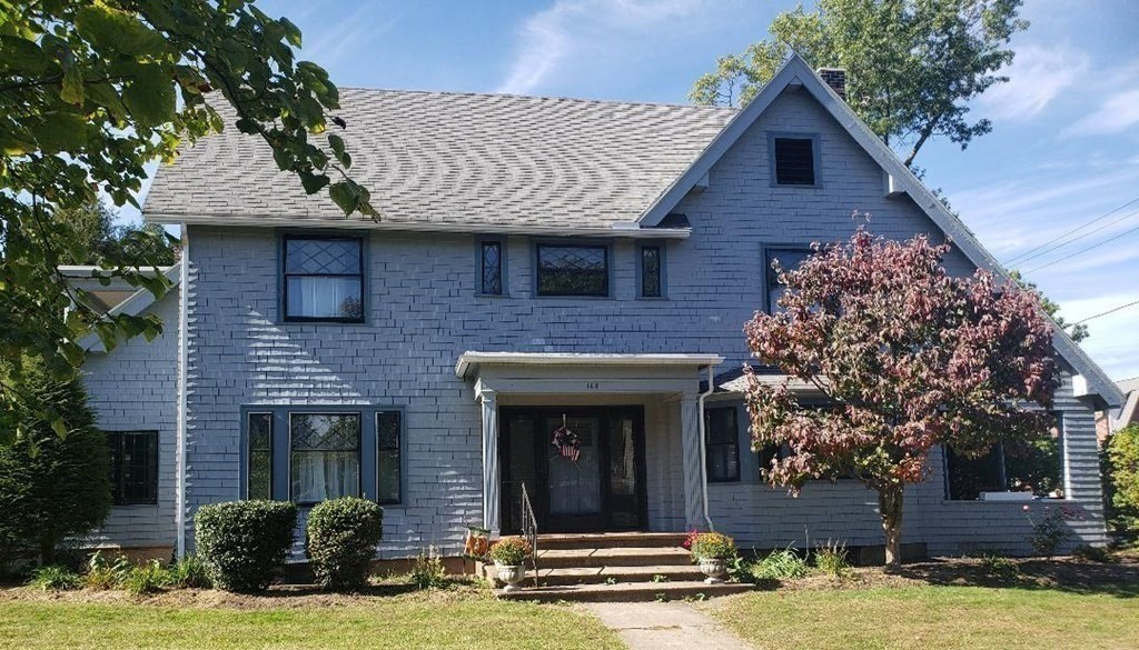 163 Pleasant Street, Holyoke, MA 01040