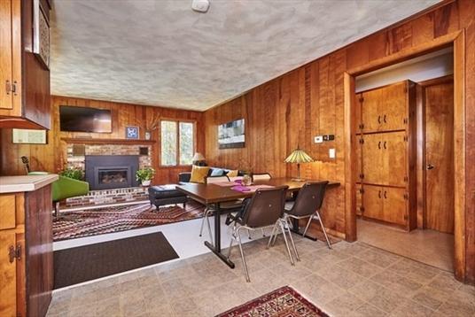 17 S Main, Goshen, MA: $259,900