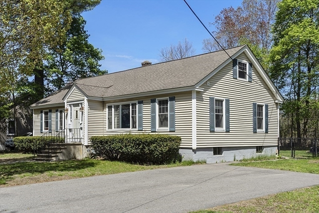 15 Stirling Street Andover MA 01810