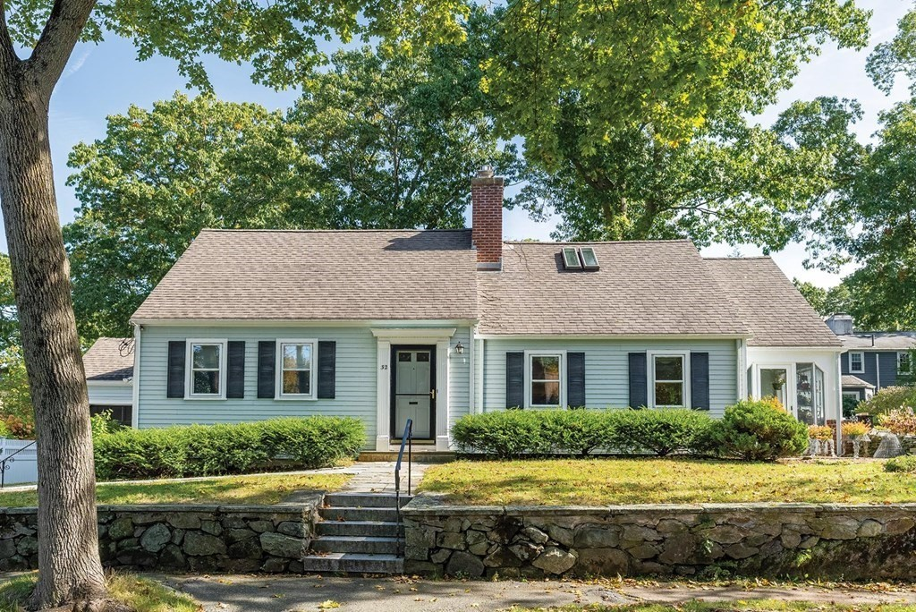 32 Hickory Cliff Rd, Newton, MA 02464