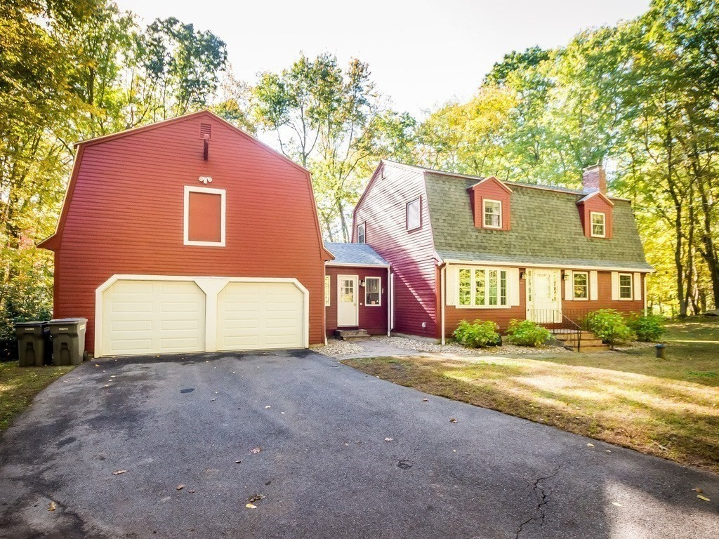 90 Newtown Rd, Acton, MA 01720