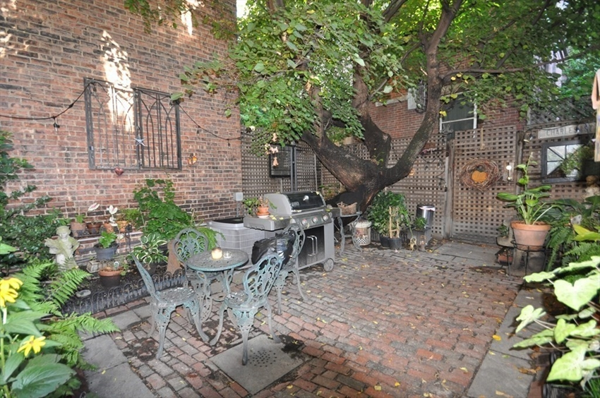 86 Myrtle St, Boston, MA Image 15