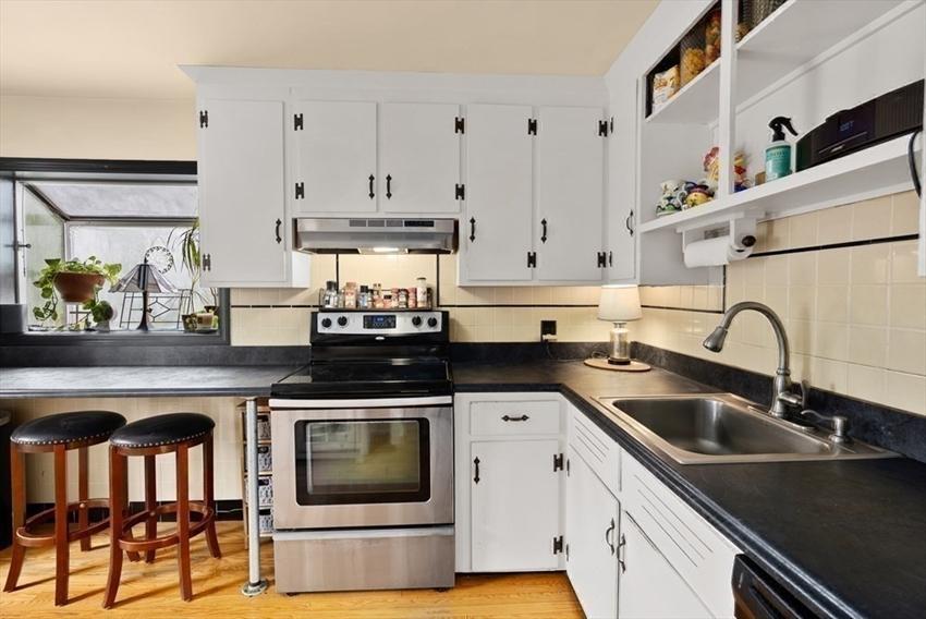38 Glendower Rd, Boston, MA Image 20