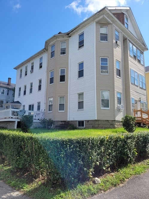 15 Ames St, Worcester, MA Image 1