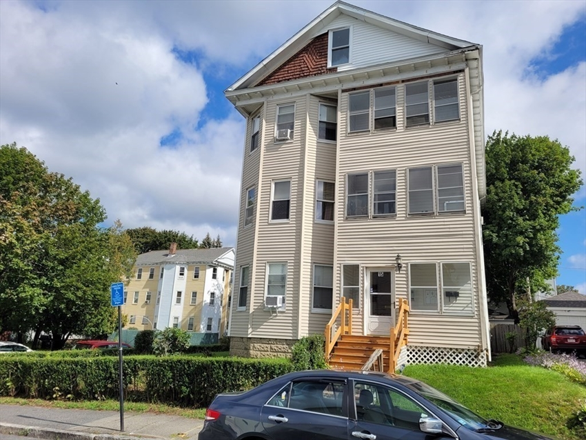 15 Ames St, Worcester, MA Image 3