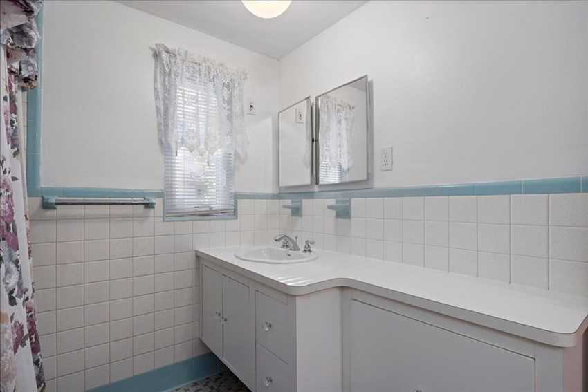 34 High View Ave, Boston, MA Image 15