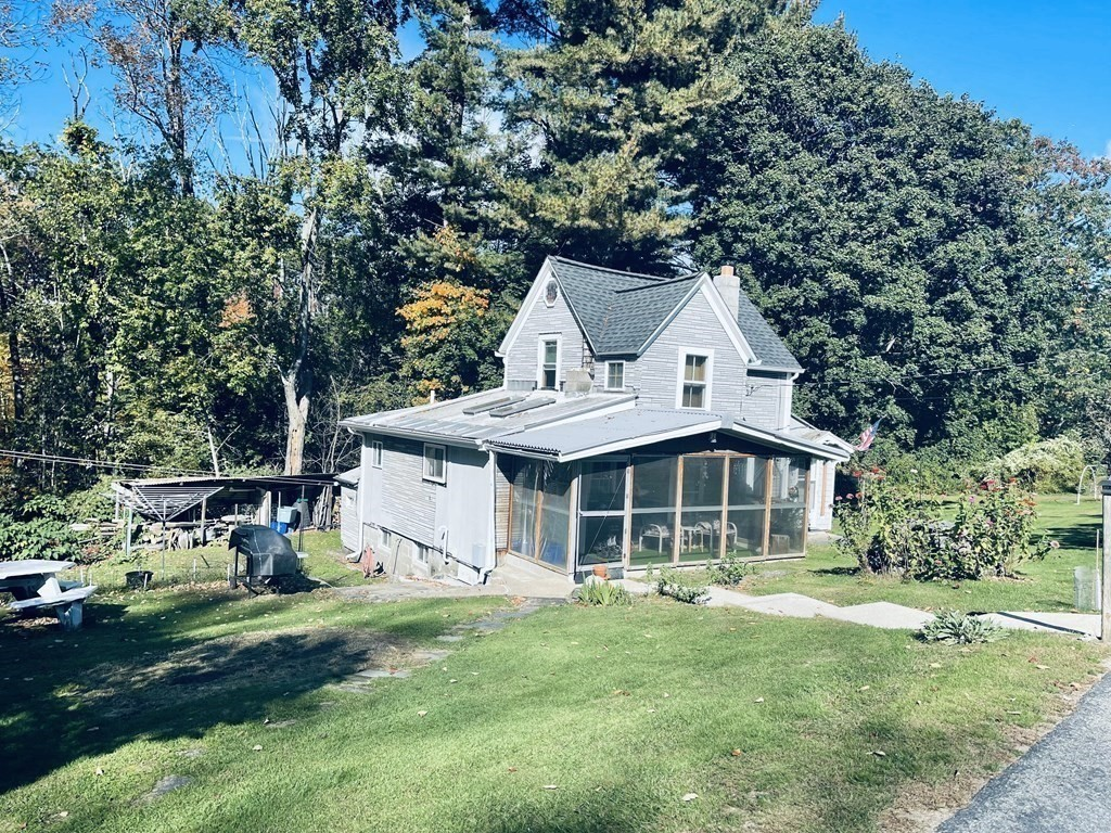 10 Broadway Ave, Sterling, MA 01564